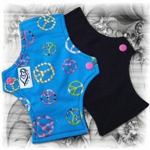 Scarlet Eve Organic Peace Signs Tiny Pad